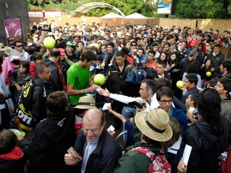 FLOcKINg FANS At EStOrIL OpEN