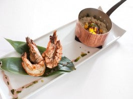 INNOVATiVE CUiSiNE AT biSTRO 100 mANEiRAS
