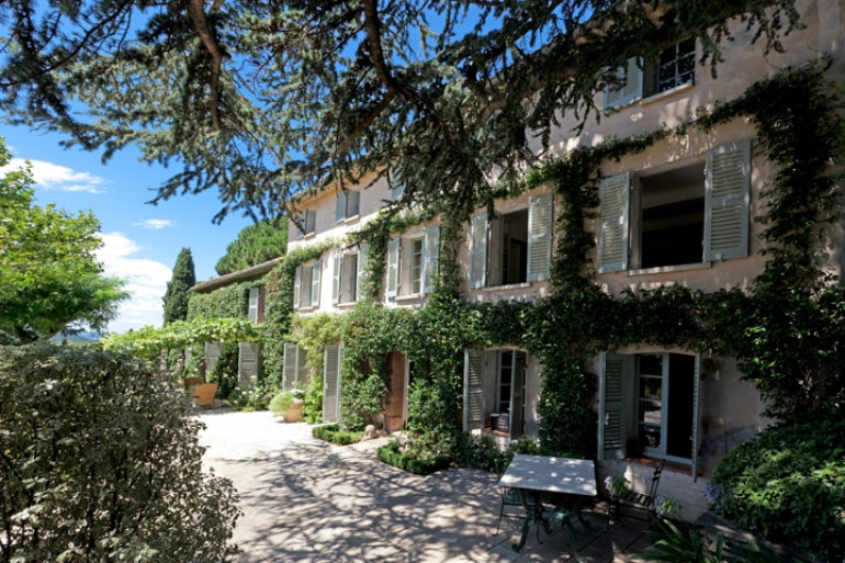 Le preverger holiday like the stars in the french riviera for Provence homes