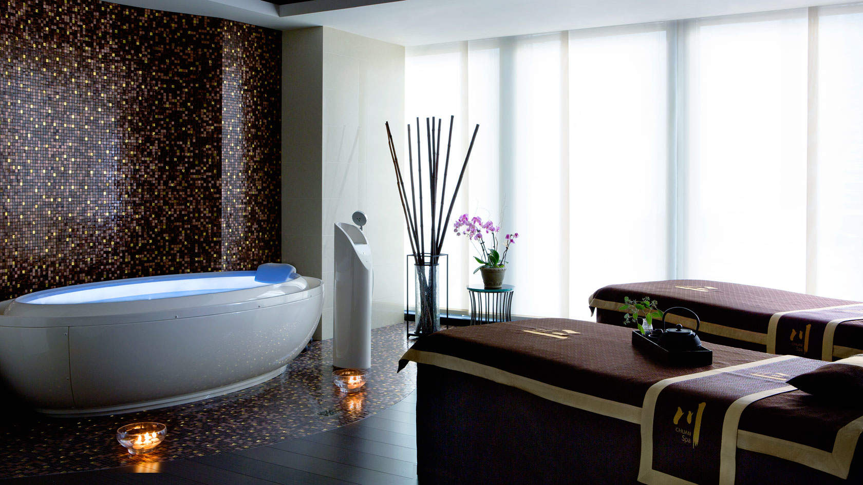 Hotels With Jacuzzi In Room In Boston