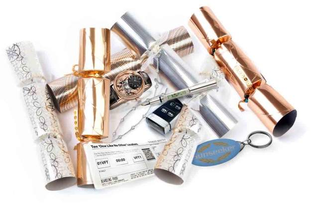 41ffb25af44d The Most Luxurious Christmas Crackers